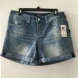 Awesome Seven Jean Shorts Sz 10 NWT